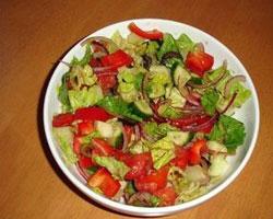 салат-с-креветками-и-свежими-овощами