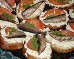 бутерброды-со-шпротами-и-сыром
