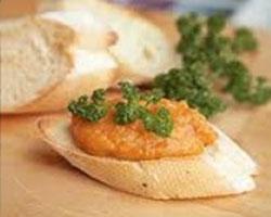 бутерброды-с-кабачковой-икрой-и-маслом