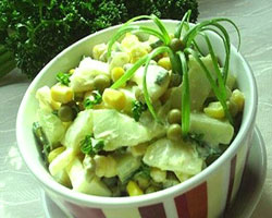 салат-из-зеленого-лука-с-солеными-огурцами